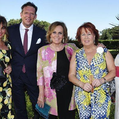 Foto: Desde Joaquín Prat a Mario Vaquerizo... todos los invitados a la boda del hijo de Ana Rosa Quintana (BEATRIZ CORTÁZAR, JOAQUÍN PRAT, PALOMA BARRIENTOS,)