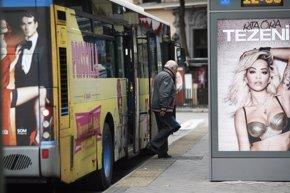 Foto: Las ayudas al transporte público bajaron un 25% por la crisis (EUROPA PRESS)