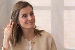 La Reina Letizia vuelve a apoyar a la moda española