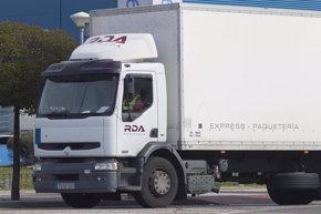 Foto: Los transportistas aprueban la labor de Ana Pastor como ministra de Fomento (EUROPA PRESS)