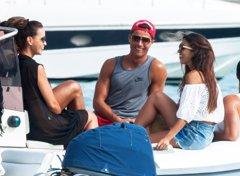 Cristiano Ronaldo, risas y confidencias con una atractiva...