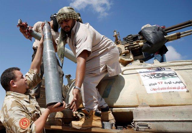 Foto: Las fuerzas libias lanzan una nueva ofensiva para expulsar al Estado Islámico de Sirte (REUTERS)