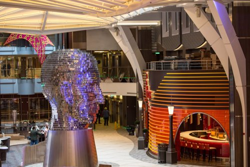 'Harmony of the Seas', arte en alta mar