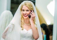 Las bodas, el último evento que ha sucumbido al teléfono...