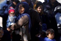 Immigrants a Sèrbia inicien una marxa cap a Hongria i anuncien una vaga de fam (REUTERS)