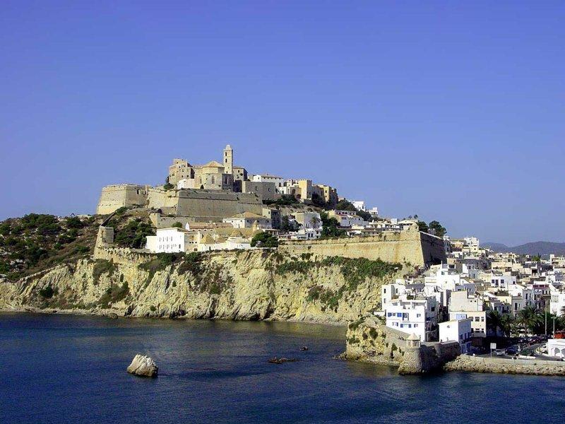 Ibiza, el municipio donde se dedican más años de sueldo a pagar una hipoteca