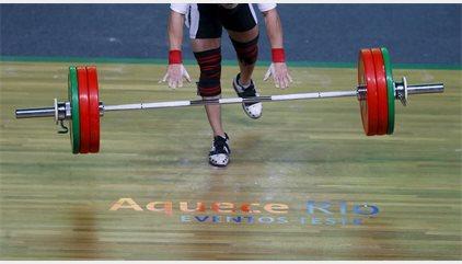 Julio Acosta, el cubano que levantará las pesas por Chile en los Juegos Olímpicos de Río