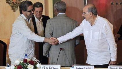 """Colombia.- Jefe negociador colombiano sobre críticas de guerrillero de FARC al 'uribismo': """"No construyen democracia"""""""