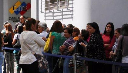 MUD convoca una marcha el miércoles para que el CNE inicie la segunda fase del revocatorio