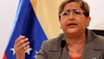 """Tibisay Lucena advierte de que el CNE no puede """"apurar"""" ni """"retrasar"""" el revocatorio"""