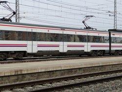 L'R16 de Rodalies recupera la normalitat després d'una avaria a la catenària (EUROPA PRESS)