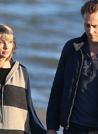 ¿Cuánto cuesta la chaqueta azul que Tom Hiddleston no se quita?