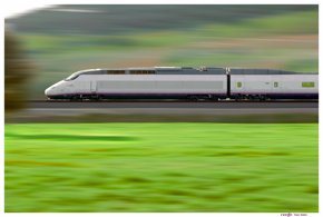 Foto: Siemens, Alstom, Talgo, Bombardier y CAF reinician la puja por el 'macrocontrato' del AVE (EUROPA PRESS/RENFE)
