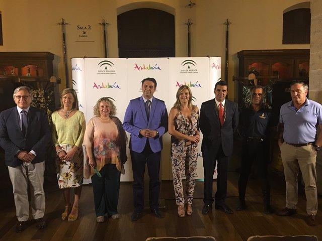 La Real Escuela del Arte Ecuestre inicia una gira por Andalucía y París