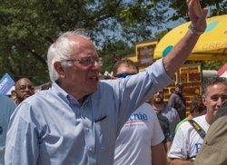 Sanders demana el vot per a Clinton i adverteix que Trump