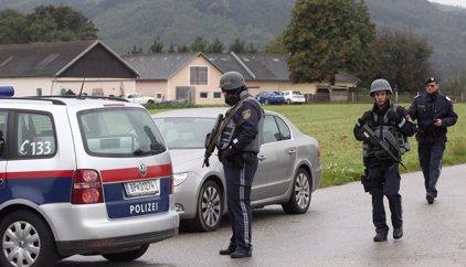 Desarticula una red de tráfico de seres humanos que llevaba a extranjeros al centro de Europa