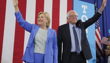 """Sanders demana el vot per a Clinton i adverteix que Trump """"és un perill per al país"""""""