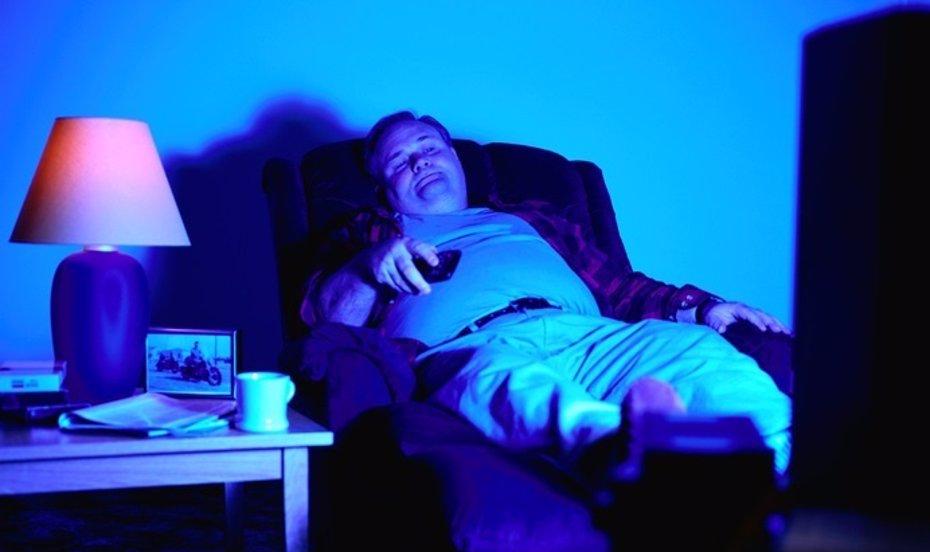 Foto: Nuevos riesgos de ver muchas horas la televisión (GETTY)