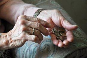 Foto: El gasto en pensiones crece en julio por encima del 3%, hasta 8.515 millones (CORDON)