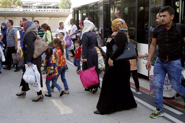 Foto: Llegan a España 155 refugiados sirios procedentes de Líbano (MINISTERIO DEL INTERIOR)