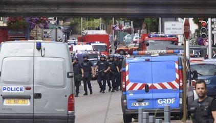 El segrest en una església de França se salda amb un ostatge mort i els autors abatuts