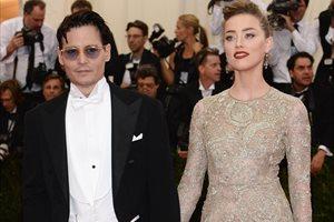 ¿Está Johnny Depp tratando de obstaculizar su divorcio con Amber Heard?