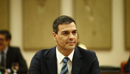 """Sánchez crida a Rajoy i li dóna el seu suport per exigir el compliment de la llei després del """"greu"""" desacatament"""