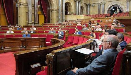 """El Parlament demana al Govern i l'Estat defensar """"junts"""" que Barcelona aculli l'Agència Europea del Medicament"""
