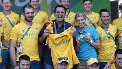 Australia cierra la polémica con el alcalde de Río sobre la Villa Olímpica con un peluche