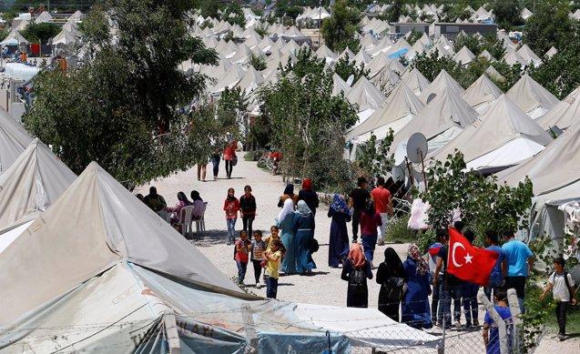 Foto: Bruselas aprueba movilizar 1.400 millones de la ayuda prometida para los refugiados sirios en Turquía (UMIT BETKAS/REUTERS)