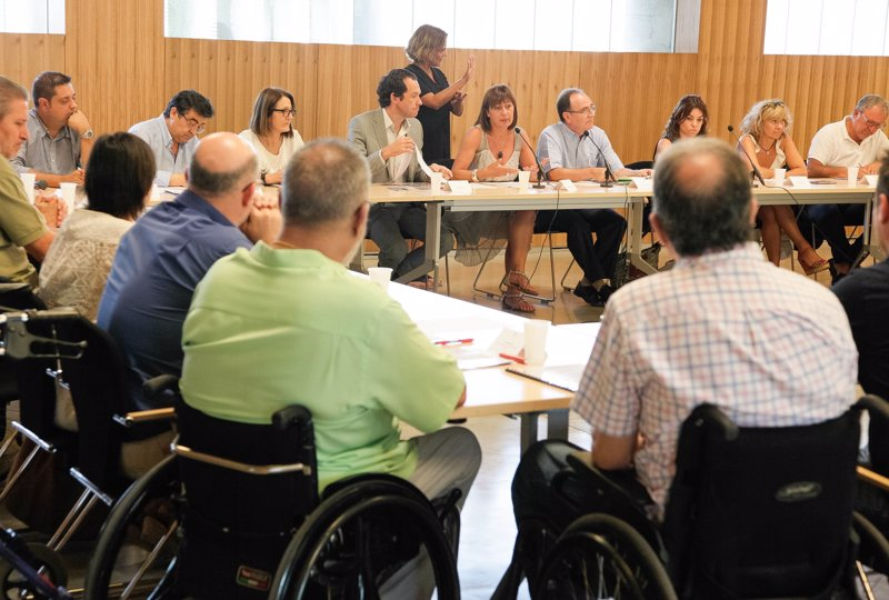 La futura ley de accesibilidad universal obligará a eliminar barreras en el acceso a servicios, productos y transportes