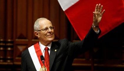Kuczynski pren possessió com a president del Perú
