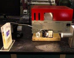 Nuevas células solares capturan además CO2 para producir combustible ( UNIVERSITY OF ILLINOIS AT CHICAGO/JENNY FONTAINE )