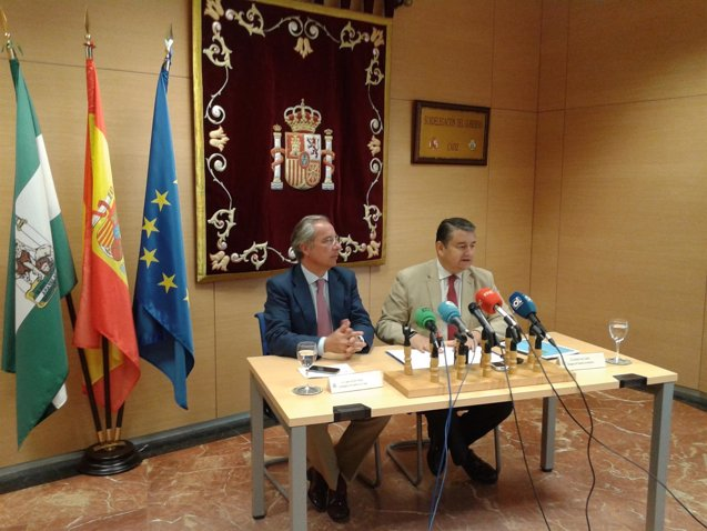 Foto: Sanz anuncia que las corporaciones locales podrán acogerse a tres nuevos fondos de liquidez para 2017 (EUROPA PRESS/DELEGACIÓN DEL GOBIERNO EN ANDALUCÍA)