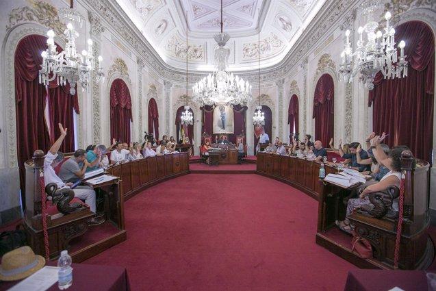 Foto: El Pleno aprueba por unanimidad la creación del Observatorio Municipal de Vivienda (EUROPA PRESS/AYUNTAMIENTO DE CÁDIZ)