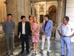 El Govern d'Ada Colau estudiarà fer una consulta perquè Barcelona s'adhereixi a l'AMI (EUROPA PRESS)