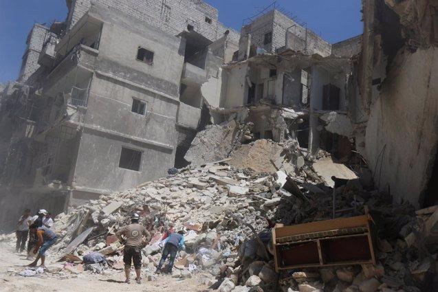 """Foto: La oposición siria se niega a que las opciones en Alepo sean """"huir o morir de hambre"""" (ABDALRHMAN ISMAIL/REUTERS)"""