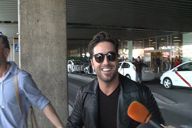 David Bustamante vuelve a casa despues de su gira en México