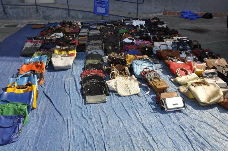 La Policía Local de Palma ha incautado más de 50.000 productos de venta ambulante desde enero