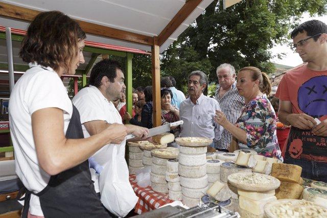Productores artesanos de francia y espa a participan en la feria del queso de pesquera - Artesanos de madrid ...
