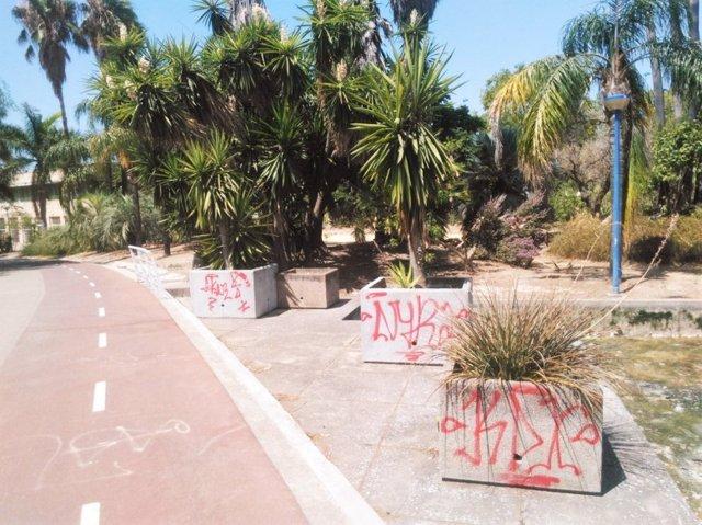 Avisan del nuevo deterioro del jard n americano for Capillas de velacion jardin de los pinos