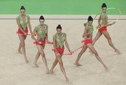 El conjunt espanyol de rítmica es penja la plata i homenatja les heroïnes d'Atlanta (REUTERS)
