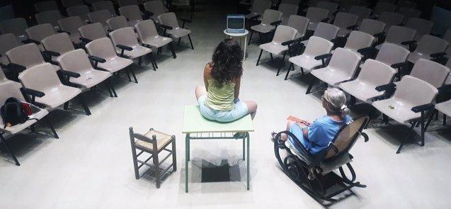 Foto: La obra de Isidro Timón 'El Tiempo' llega este jueves a Casar de Cáceres dentro del ciclo 'Teatro y Microteatro'  (REMITIDA)