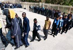 Alemanya accepta acollir centenars d'immigrants que es troben bloquejats a Itàlia (CHRISTIAN SINIBALDI/MSF)