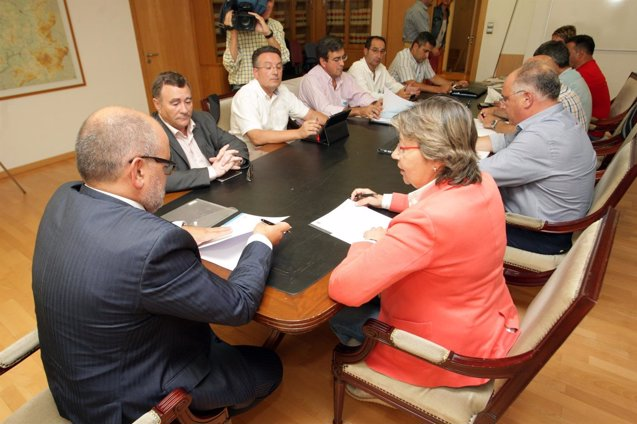 Foto: España estudia con la flota gallega un plan para caballa y jurel con Francia y Portugal (CONCHI PAZ)