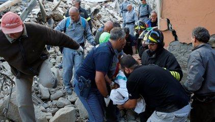38 morts i desenes de desapareguts pel terratrèmol a Itàlia