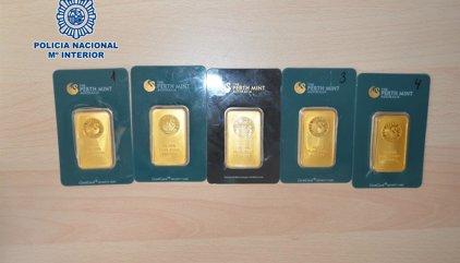 Detenido en Torremolinos por vender falsos lingotes de oro