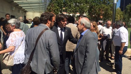 El funeral de Carbonell reuneix Puigdemont, Montilla, Pujol, Junqueras i Carod