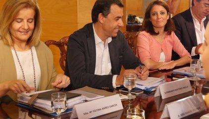 El PP presenta el pressupost per a mesures socials per segellar l'acord amb C's