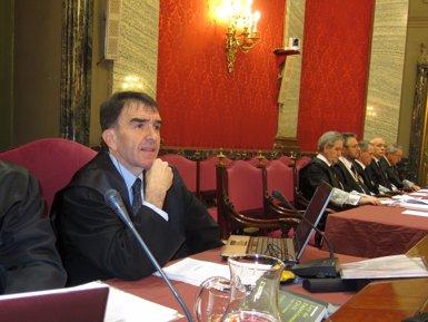 """La defensa d'Otegi afirma que el TC i el TS """"han dit reiteradament"""" que la inhabilitació i la presó """"duren igual"""" (EUROPA PRESS)"""